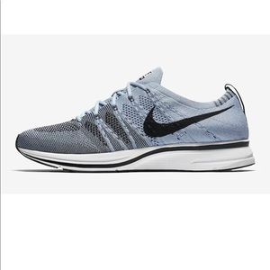 Nike Flyknit Trainer Cirrus Blue NWT Snickers